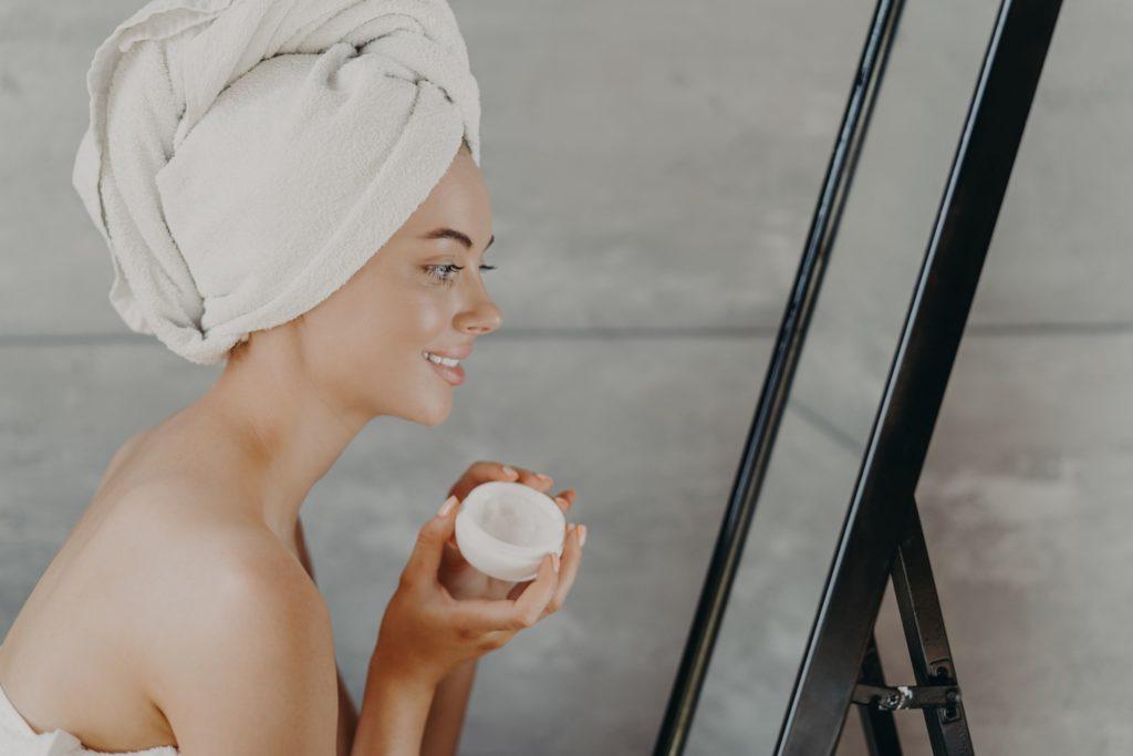 美容看護師の魅力やメリットは美容の知識や技術を学ぶことができ自分自身もキレイになれる