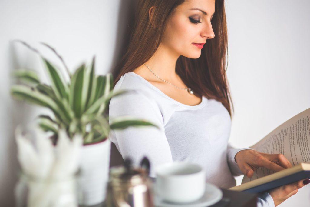 美容看護師のメリットや魅力として夜勤や残業がなく生活リズムが整う
