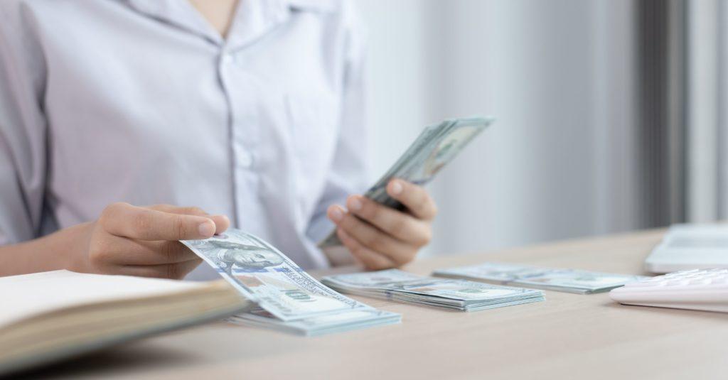 美容看護師の魅力やメリットは給与水準が高く自分の頑張り次第で収入アップできる